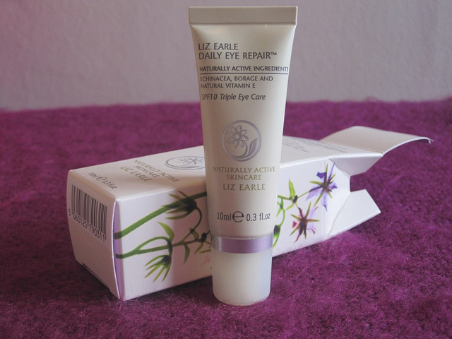 liz_earle_daily_eye_repair