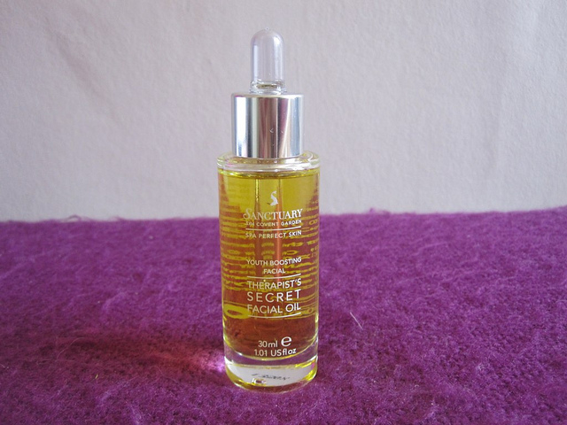 sanctuary_youth_boosting_facial_oil