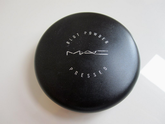 mac_blot_powder