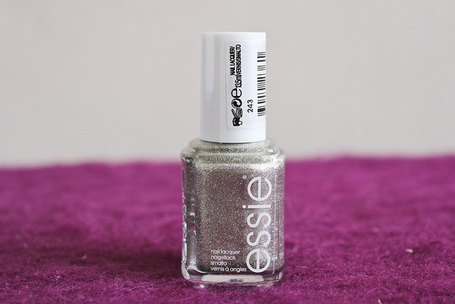 essie_beyond_cozy