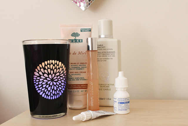 bed_side_table_essentials