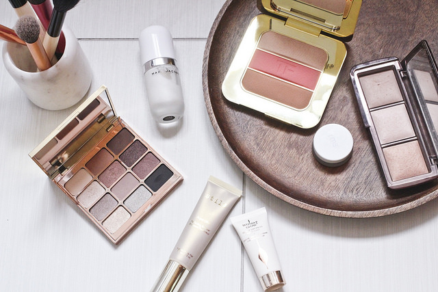 Makeup Essentials for a Summer Holiday